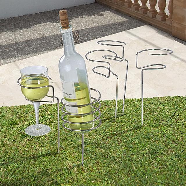 Glas und Flaschenhalter